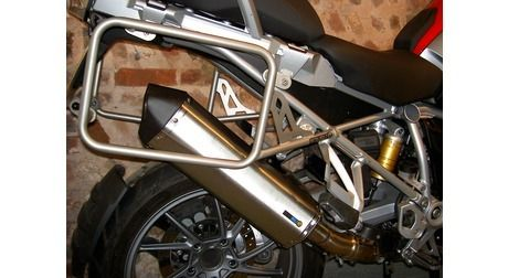 BMW R1200GS WC 2013 Onwards/R1200GS WC Adventure 2014 45L & 45L UTE Balanced Pannier System with Exhaust